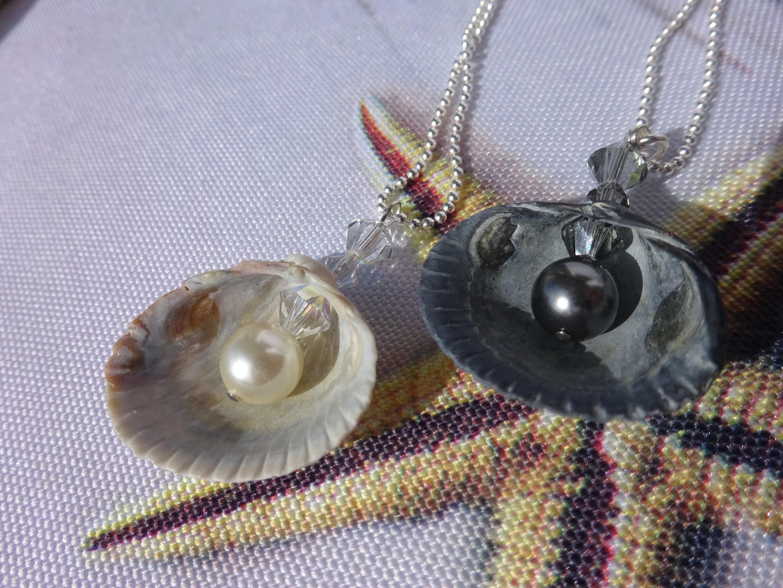 Muschelkette mit Perle